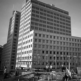 Beschaffung von Bauleistungen, ggf. unter Einbindung externer Rechtsberatung